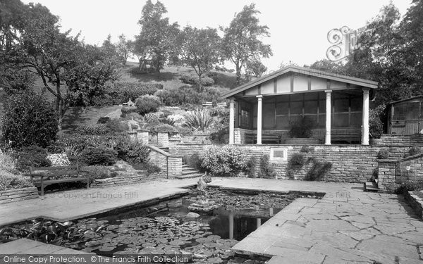 Photo of Whitby, Pannett Park 1934