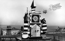 Whitby, The Guinness Clock c.1955