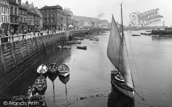 Whitby, The Harbour 1923