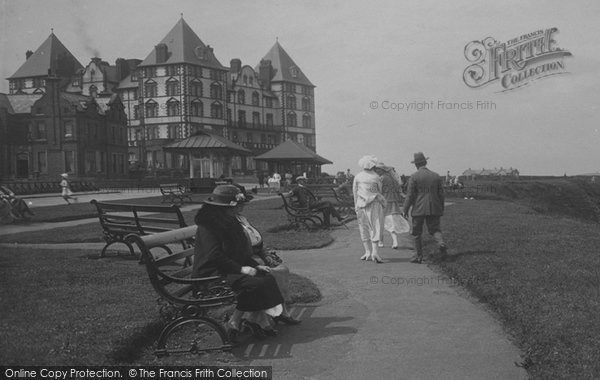 Photo of Whitby, The Metropole Hotel 1923
