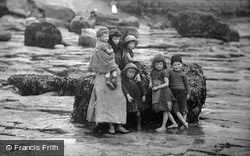 Whitby, The Peart Children 1891