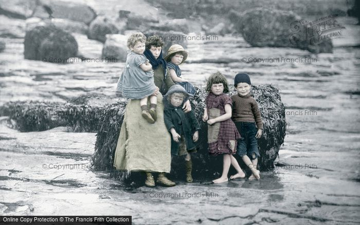 Photo of Whitby, The Peart Children 1891