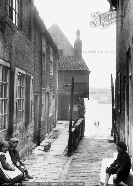 Photo of Whitby, Tin Ghaut 1913