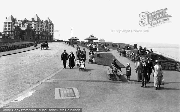Photo of Whitby, West Cliff 1913