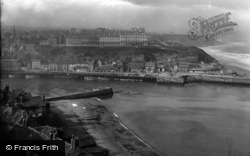 Whitby, West Cliff 1925