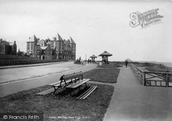 Whitby, West Cliff And Metropole 1901