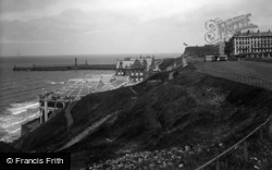 Whitby, West Cliff And Spa 1934