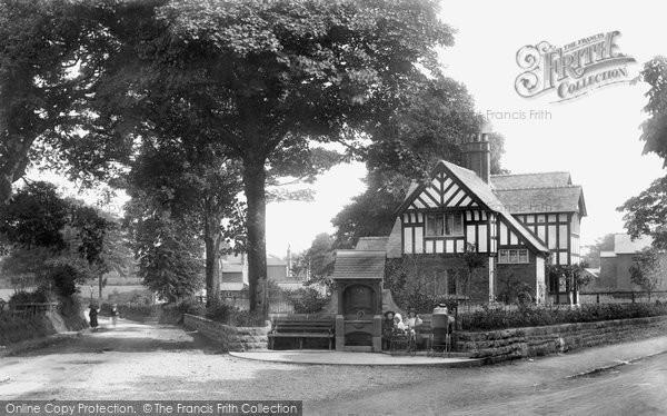 Photo of Whitchurch, Doddington Fountain 1901
