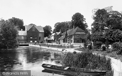 Whitchurch, Mill And Cottages 1899, Whitchurch-on-Thames