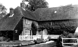 Whitchurch, Mr Robertson Justice's House c.1955