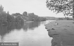 Whitchurch, The River From The Bridge c.1955, Whitchurch-on-Thames