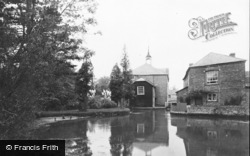 Whitchurch, The Silk Mill c.1939