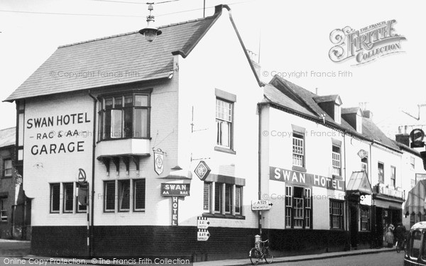 Photo of Whitchurch, The Swan Hotel c.1955