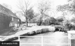 Whitchurch, The Weir c.1960