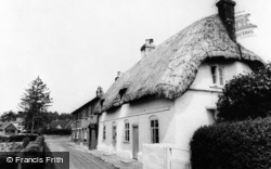 Whitchurch, The Weir Cottages c.1960