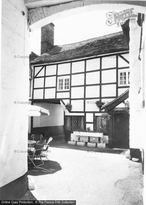 Photo of Whitchurch, The White Bear Public House, High Street c.1960