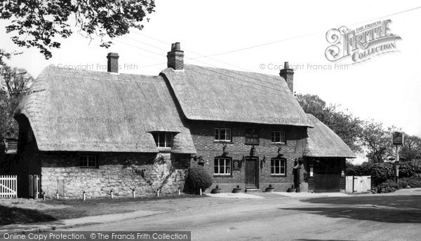 Photo of Whitchurch, The White Swan c.1955