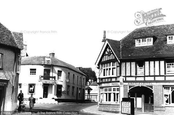 Photo of Whitchurch, White Hart Corner 1939