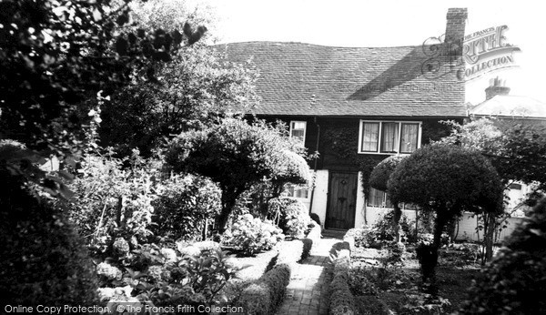 Photo of Whitemans Green, Braysmead Cottage c.1960