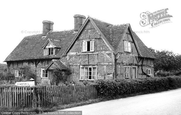 Photo of Whiteparish, Old Cottages c.1955
