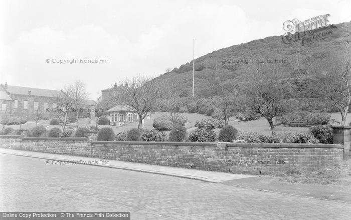 Photo of Whitworth, Memorial Gardens 1951