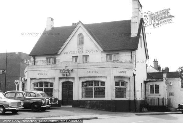 Photo of Whyteleafe, The Whyteleafe Tavern c.1960