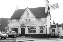 Whyteleafe, The Whyteleafe Tavern c.1960