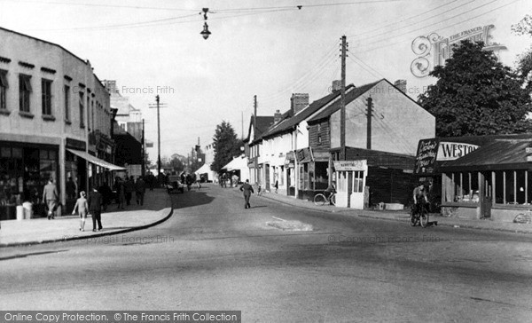 Photo of Wickford, Hall's Corner and the High Street c1955