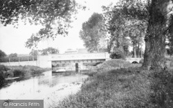 Wickham Market, Bridge And River Deben 1929