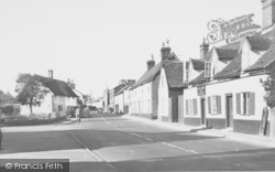 Wickham Market, The Chequers 1954