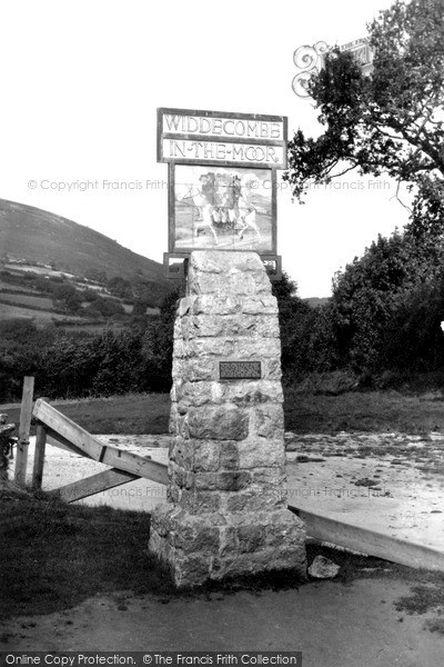 Photo of Widecombe In The Moor, The Village Sign c.1939
