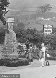 Widecombe In The Moor, Viewing The Village Sign 1927