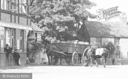 Widford, Delivery Cart At The White Horse 1906