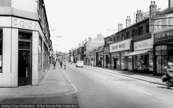 Photo of Widnes, Albert Road c.1960