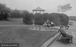Widnes, Bandstand In Church Gardens 1923