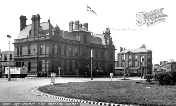 Photo of Widnes, The Town Hall c.1955