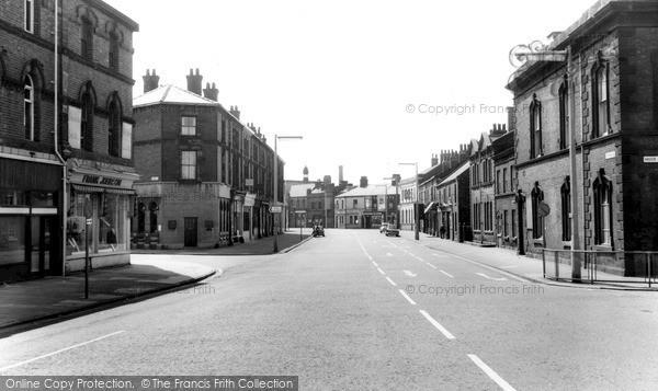 Photo of Widnes, Victoria Road c.1960