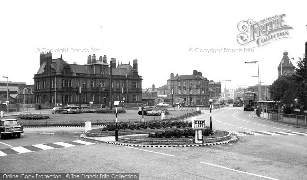 Photo of Widnes, Victoria Square c.1965