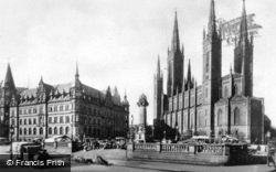 Market Place, Town Hall And Evangelic Main Church c.1930, Wiesbaden