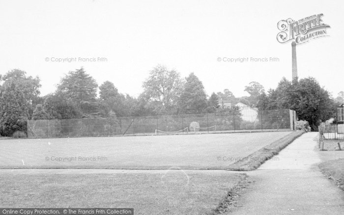 Photo of Wigston, Bowling Green, Peace Memorial Park c.1955