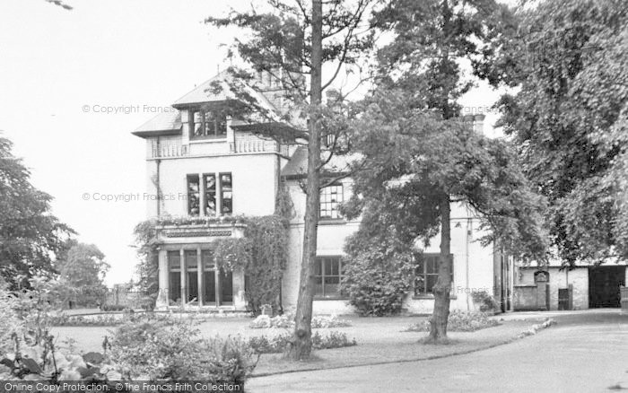 Photo of Wigston, Bushloe House c.1955