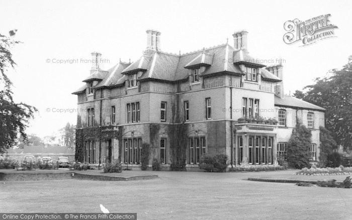 Photo of Wigston, Bushloe House c.1965