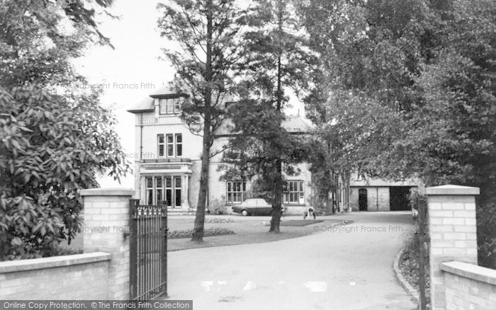 Photo of Wigston, Bushloe House c.1965