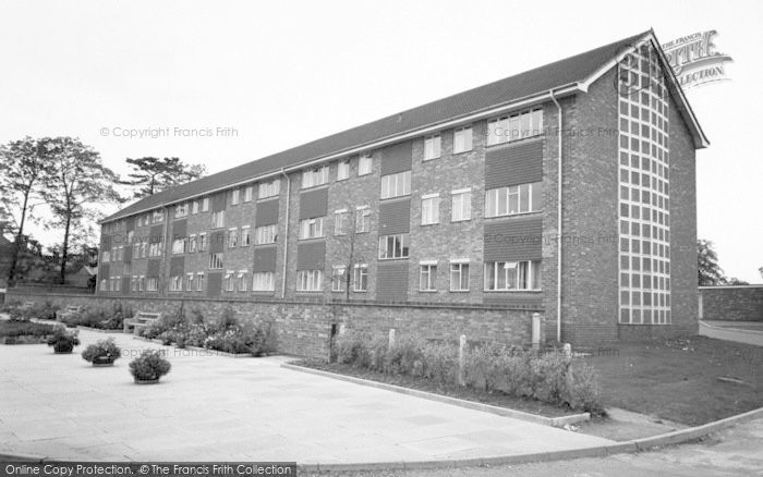 Photo of Wigston, Elizabeth Court c.1965