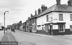 Wigston, Leicester Road, Looking North c.1965