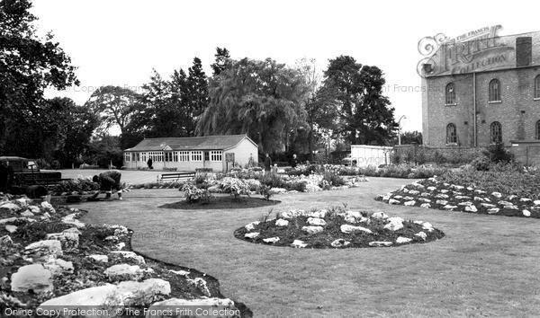 Photo of Wigston, Memorial Park c.1965
