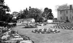Wigston, Memorial Park c.1965