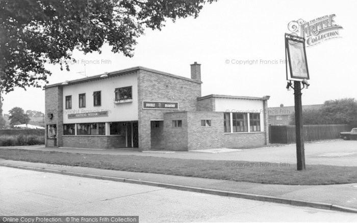 Photo of Wigston, Nautical William Inn c.1965