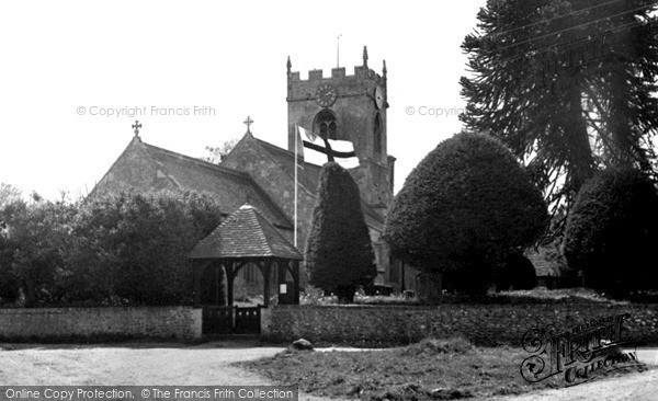 Photo of Wilcot, Church Of The Holy Cross c.1955