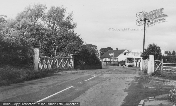 Photo of Willaston, Hadlow Road c.1965